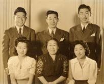 1941 - Los Angeles - Helen Ahn with her five children: R to L Soorah, Helen, Soosan, Ralph, Philip and Philson.