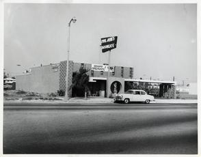 The Moongate Opened In 1954 On Van Nuys Blvd Panorama City Ca